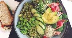 At Roots, you are spoilt for choice: delicious juices and smoothies, a variety of salads, scrumptious sandwiches, and much more. Vegan Food, Vegan Recipes, Soup And Sandwich, Healthy Salads, Department Store, Train Station, Juices, Avocado Toast, Switzerland