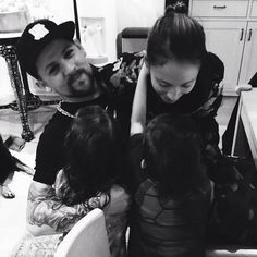 Photo of Proof That Nicole Richie and Joel Madden Have the Cutest Family Nicole Richie, Joel Madden, Couple Moments, Good Charlotte, Cute Family, Cute Celebrities, Celebrity Couples, Music Bands, Cute Couples