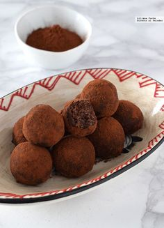 Trufas de Nutella exprés. Receta fácil con tres ingredientes Chocolates, Biscotti, Truffles, Muffin, Food And Drink, Cookies, Breakfast, Cake, Sweet