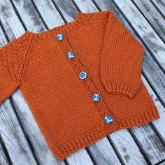 """Nye Strikkerier Til 2015 - """" Helt Klein"""", Ny """"Yndlings Cardigan"""" Og """" En Stribet Lama """" Spool Knitting, Knitting For Kids, Baby Knitting Patterns, Crochet For Kids, Crochet Baby, Knit Crochet, Crochet Patterns, Knitted Baby, Baby Barn"""