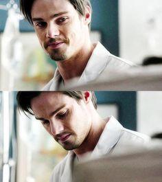 OMG OMG I JUST WANNA SAY THAT I LOVE U AND I HAVE A HUGE CRUSH ON U AND AND AND... Hi doctor keller :$