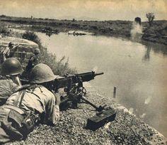 Mientras tanto, en China: posición defensiva japonesa en la orilla oriental del río Miluo, provincia de Hunan, segunda batalla de Changsa, 22 o 23 de septiembre de 1941