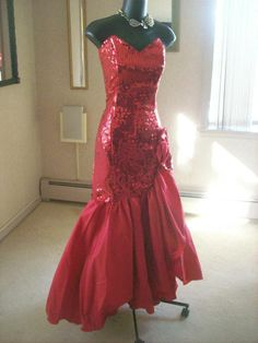 VINTAGE 80s RED SEQUIN PROM PARTY DRESS BEST IN SHOW MERMAID L total wild child glam available this week of 3/19/2014 come see me!! click on pic