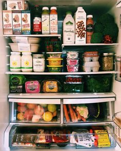 In the kalejunkie fridge - nicole modic health tips & cooking advice in Healthy Fridge, Healthy Snacks, Healthy Recipes, Refrigerator Organization, Recipe Organization, Refrigerator Storage, Organic Eggs, Nutrition, Diet Meal Plans
