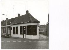 Rini Schraven. Terheydenseweg hoek Speelhuislaan. 1973.