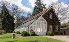 File:Orangerie (2), Rockwinkeler Landstrasse 41 (2012-04).jpg
