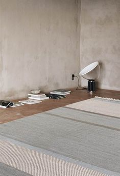 This collection consists of exclusive hand-woven rugs designed by Danish artisans. To ensure a unique result, professional Danish weavers often take part in the design process. Nordic style and high-quality materials characterize those two-sided rugs.
