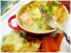 Thermomix makes fish pie a breeze: make the mash and the parsley sauce, and even steam your veg to go with! Dairy Free Fish Pie, Oven Baked, Halloween Treats, Main Meals, Food To Make, Paleo, Favorite Recipes, Baking, Healthy