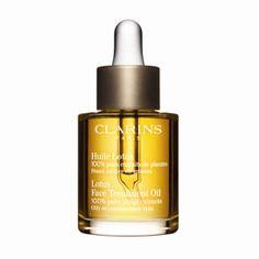 Clarins Lotus Oil - Ansiktsolja med 100% växtextrakt. En sammandragande, renande och normaliserande behandlig för den kombinerade huden som har benägenhet att bli fet. Håller huden mjuk och smidig hjälper till att förebygga portilltäppningar. Absorberas direkt av huden tack vare den höga penetrationskraften som de essentiella oljorna har. Innehåller bl a essentiella oljor av rosmarin, pelargon, lotus och hasselnötsolja.  Volym: 30 ml - 435 Kr @ Kicks. Bought@feelunique summer sale 2012 - 328…