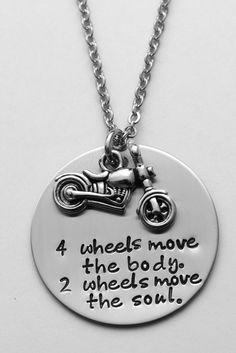 Collier de moto ou porte-clés quatre roues par LauriginalDesigns