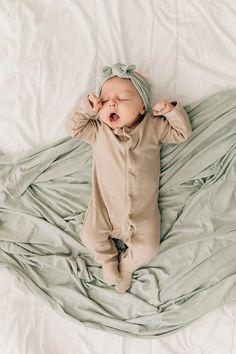 Cute Little Baby, Cute Baby Girl, Little Babies, Cute Babies, Baby Baby, Twin Baby Girls, Bebe Love, Wanting A Baby, Foto Baby