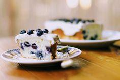 Budín de Arándanos Limón y Queso Crema Panna Cotta, Pancakes, Bakery, Gluten, Pudding, Cookies, Breakfast, Ethnic Recipes, Desserts