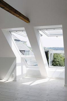 Dakvensters met balkon. eventueel 1 en een gewone met kast eronder
