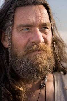 Now THIS is the way a TRUE Viking would have looked, and not like those…