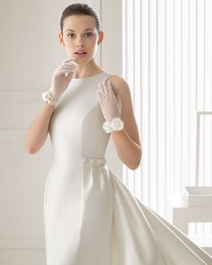 Sintesis vestido de novia Rosa Clara