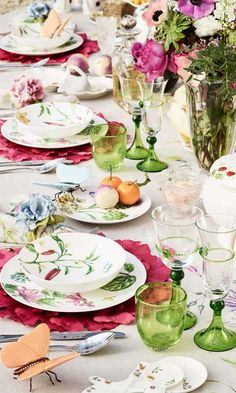 Zara Home Polska Zara Home Table, Place Settings, Table Settings, Objet Deco Design, Motif Floral, Dinning Table, Dinner Sets, Decoration Table, Fine Dining