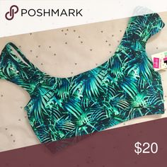 VS PINK Fern Crop Bikini Top VS PINK FERN CROP BIKINI TOP •Super cute! •NWT✨ •Size small •Matches various bottoms! •Fast Shipping! •Any questions? Ask away! Happy Poshing!😘     Related: VS, VSX, Victoria's Secret, PINK, swim, Bikini, swimsuits, bathing suit, beachwear, swimwear, two piece, one piece, follow me, follow game 🚫NO TRADES🚫 PINK Victoria's Secret Swim Bikinis