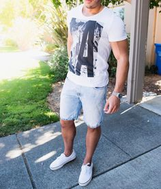 Summer #casualoutfit  #losangeles tshirt denim shorts and @vans  by @marcos.deandrade [ http://ift.tt/1f8LY65 ]