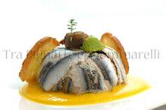Le mie ricette - Tortino di alici, broccolo romanesco, noci e pecorino romano, con crema di peperone giallo alla colatura di alici e crostini di pane | Tra Pignatte e Sgommarelli
