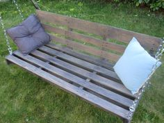 Garden swing Armchair made with upcycled pallet: Creation of a swing armchair with a pallet and an old swing set.