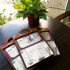 Cafe Menu Design, Restaurant Menu Design, Resturant Menu, Wood Menu, Menu Book, Restaurant Marketing, Menu Boards, Desserts Menu, Coffee Menu