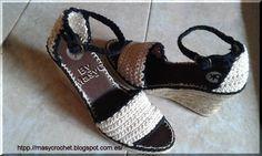 Hoy de nuevo otro zapato   veraniego a crochet   suela de esparto   Modelo:OK     preparación de la suela   pegamos plantilla y preparam...