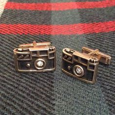 Just listed in our Etsy Shop (Link In Bio!!) we have these #vintage #Swank #35mm #singlereflex #camera #cufflinks. $65.00 #vintagemenswear #accessories #Photog #photographer