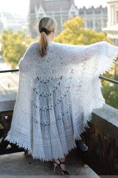 Spanish Peacock FREE pattern knit lace shawl