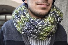 This is a very cosy chunky scarf which you can knit up in about 3 or 4 hours. The pattern is really easy to knit, and to spot mistakes. Chunky Scarves, 4 Hours, Spice, Crochet, Crafts, Fashion, Crochet Hooks, Spices, Moda