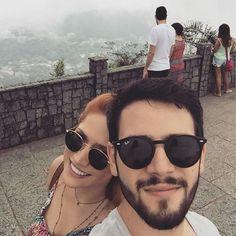 Nuestra #fotodeldia de hoy es de @mafnieyama.  Pasen un buen fin de semana.  #sunoptica #gafas #sunglasses #gafasdesol #occhialidasole #vacaciones #corcovado #brasil ##moda #tendencias #fashion #elegancia #rayban #raybanround #eyewear #love