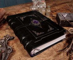 Black Magic Leather Grimoire - Bookbinding Tutorial: 17 Steps (with Pictures) Witch Aesthetic, Book Aesthetic, Magick, Witchcraft, Buch Design, Bookbinding Tutorial, Handmade Books, Handmade Journals, Handmade Crafts
