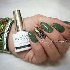 Jungle Nails!!  Gel Polish Equador by Stephanie Nailart :) Find more inspiration at www.indigo-nails.com #nailart #nails #indigo #green #jungle #equador