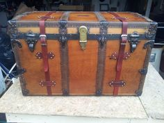 How To RESTORE an Old Vintage STEAMER TRUNK Project » The Homestead Survival