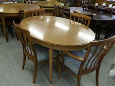 Extendable Dining Table With 4 Chairs Including Reupholstery In A Fabric Of Your Choice, £125 - Local Delivery Service Available H74cm, W137cm, D96.5cm (PC507)