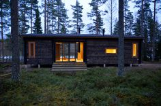 Cabin in Finland. Cabins In The Woods, House In The Woods, Cottage Design, House Design, Scandinavian Cottage, Summer House Garden, Summer Cabins, Guest Cabin, Cottage Plan