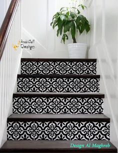 Nice 33 Outstanding Boho Decorating Ideas For Stairs Carpet. Tile Stairs, Carpet Stairs, Stair Renovation, Stair Makeover, Stair Decor, Stair Risers, Diy Carpet, Patterned Carpet, Minimalist Home
