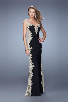 We Know you Love La Femme Dresses as Much as We Do! Find the Perfect La Femme Prom or Homecoming Dress of Your Dreams Today at Peaches Boutique Lace Evening Dresses, Elegant Dresses, Pretty Dresses, Evening Gowns, Beautiful Gowns, Beautiful Outfits, Business Mode, Prom Dresses 2015, Long Dresses