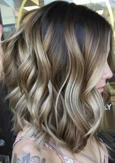 Here we are going to show your amazing shades of modern looking bronde hair colors. These are best ever hair colors to show off in this year. Women who are still searching for latest ideas of hair colors and highlights they are advised to visit this for newest bronde hair colors.