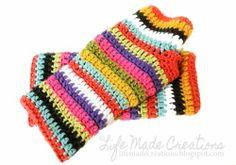 Crochet Mitts, Crochet Wrist Warmers, Crochet Gloves, Crochet Scarves, Diy Crochet, Crochet Crafts, Crochet Hooks, Crochet Projects, Hand Warmers