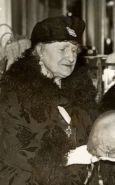 Nina Cecilia Cavendish-Bentick, Countess of Strathmore : mother of the Queen Mother