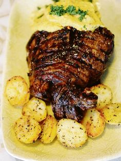 Vir my die lekkerste. Lamb Recipes, Real Food Recipes, Cooking Recipes, Healthy Recipes, How To Cook Lamb, Cooking Lamb, Kos, Lamb Dishes, South African Recipes