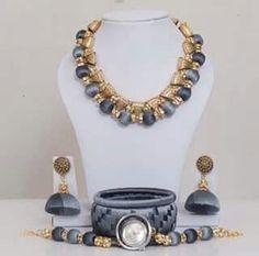 Silk Thread Bangles Design, Silk Thread Necklace, Silk Bangles, Beaded Necklace Patterns, Thread Jewellery, Diy Jewellery, Terracota Jewellery, Beaded Earrings, Making Ideas