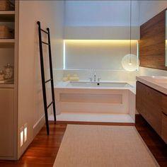 Random Light by Bertjan Pot via Moooi | www.moooi.com | #interiordesign #interior #design #bathroom #bathdesign #architecturelovers #architecture #designer #design #decor #warm #woodworking #wood #badesign #decoration #moooi #lighting #lightingdesign