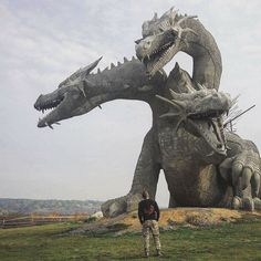 """"""" sixpenceee: """" A three-headed dragon statue in Russia. It's representative of Zmey Gorynych, a dragon in Slavic mythology. """" This is quite possibly the coolest dragon statue ever! 3 Headed Dragon, Real Fire, Dragon Artwork, Dragon Statue, Black Dragon, Zebras, Mythical Creatures, Sculpture Art, Street Art"""