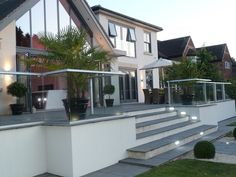 Glass Balustrade Solutions That Architects Need - Glass Balcony Systems Back Garden Design, Garden Design Plans, Modern Garden Design, Modern Patio, Patio Balustrade Ideas, Decking Glass Balustrade, Decking Panels, Patio Deck Designs, Patio Design