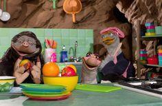 Thema: Lente. Moffel en Piertje maken een eigen moestuin. Ze slaan allerlei groenten in: sla, boontjes uit blik en komkommer. Maar de volgende dag ligt alles er zielig en verdord bij.