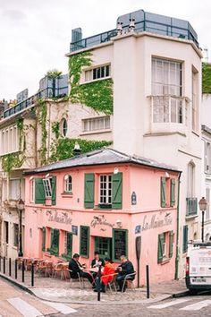 La Maison Rose in Paris is too beautiful!