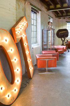 if I lived in a tangerine loft. Exterior Design, Interior And Exterior, Old Lights, Light Letters, Vintage Interiors, Sign Design, Vintage Industrial, Signage, 3 D