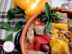 SECONDI PIATTI DI NATALE Dukan Diet, Pot Roast, Beef, Stuffed Peppers, Chicken, Vegetables, Cooking, Olive, Ethnic Recipes