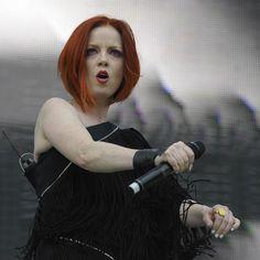 Shirley Manson, Pop Singers, Female Singers, Stupid Girl, Alternative Rock Bands, Women Of Rock, Celebrity Skin, Rock And Roll Bands, Women In Music